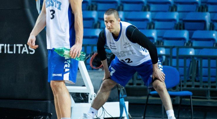 Veidemani nimi tõmmati korvpallikoondise nimekirjast viimasel hetkel maha, asendajaks Egert Haller