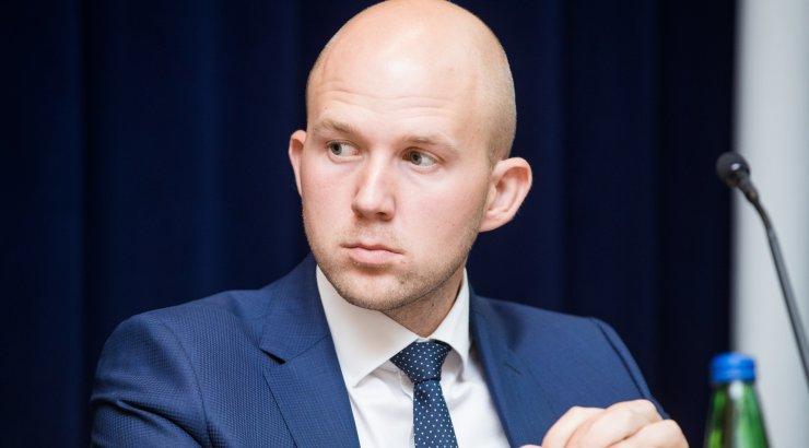 Mölder: apteegireformi jõuaks tehniliselt muuta, aga konsensust riigikogus pole