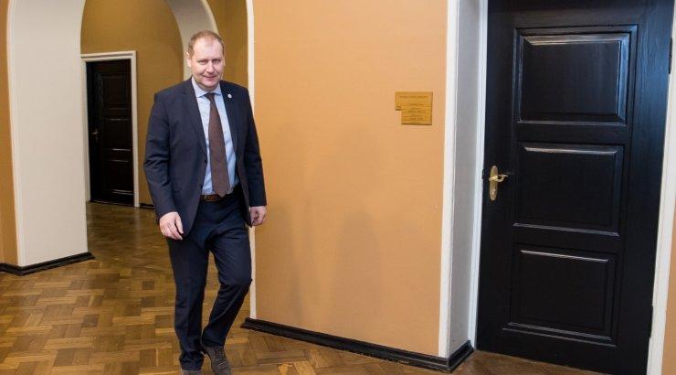Endine maaeluminister Urmas Kruuse: Helmed peavad Järviku kiiremas korras ametist vabastama