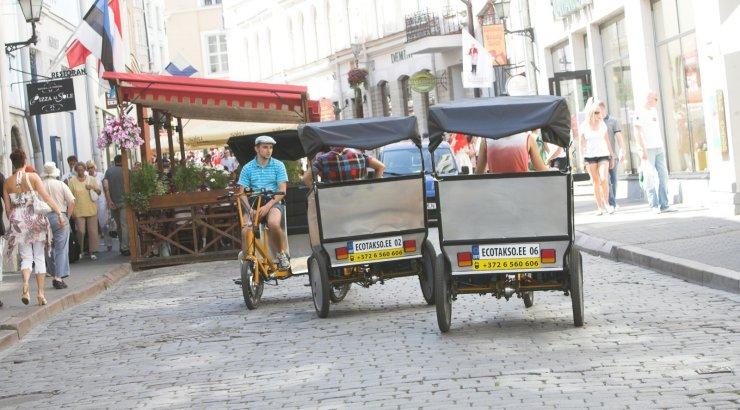 Tallinn nõuab velotaksode vanalinna tagasilubamiseks riiklikku regulatsiooni