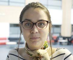 Eesti keele ja kirjanduse õpetaja Reeli avastab Eestis seda, mille jaoks ei pea sõitma välismaale